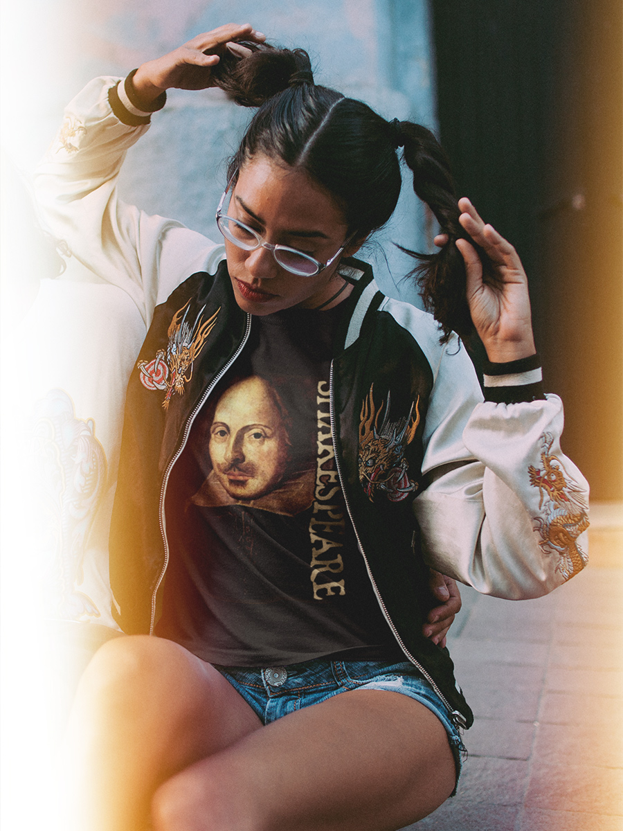William Shakespeare Unrestored Portrait Women's T-Shirt